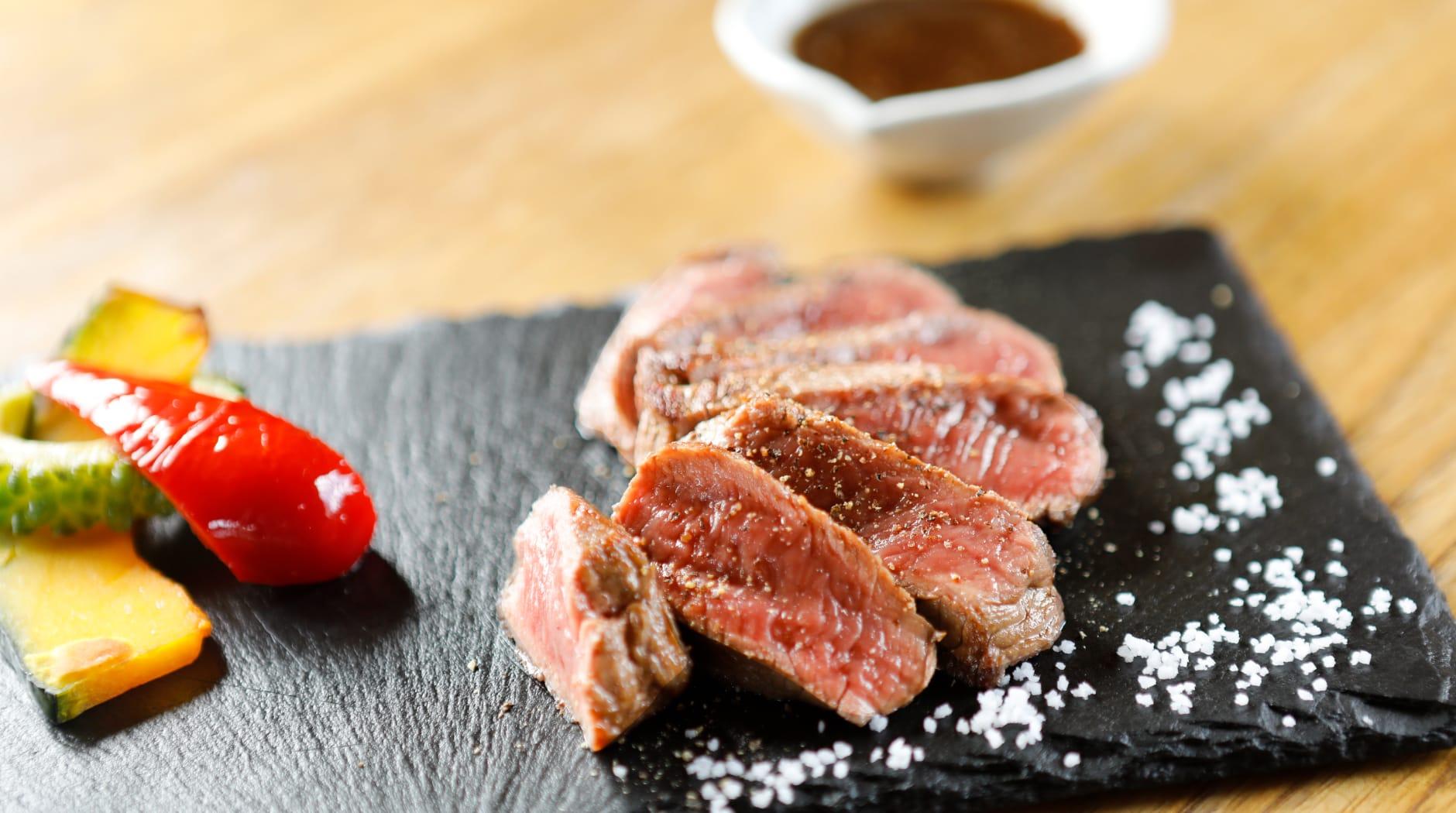 燻製沖縄料理 かびら亭